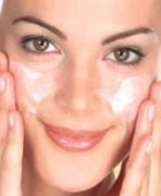 bebek-cildine-kavusturan-maskeler
