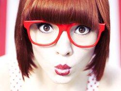 Gözlük rengine göre göz makyajı önerileri